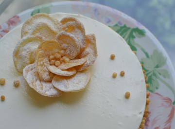 シューの飾りケーキ