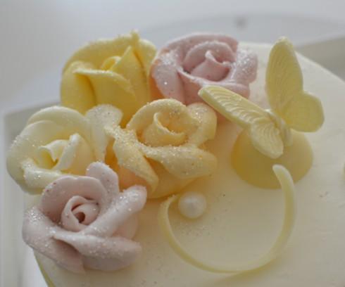 バタークリームのバラ